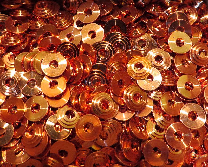 Collars: Bullseye rivets (copper)